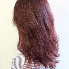 フェミニン ロング チェリーピンク ベリーピンク ヘアスタイルや髪型の写真・画像