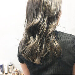 グレージュ ナチュラル アッシュグレー アッシュグレージュ ヘアスタイルや髪型の写真・画像