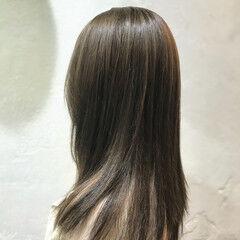マット グレージュ レイヤーカット レイヤーロングヘア ヘアスタイルや髪型の写真・画像
