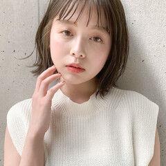 レイヤーカット 透明感 小顔ヘア ナチュラル ヘアスタイルや髪型の写真・画像