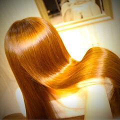 コーラル ストレート オレンジ アプリコットオレンジ ヘアスタイルや髪型の写真・画像