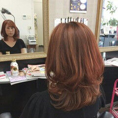 フェミニン 巻き髪 ミディアム ヘアマニキュア ヘアスタイルや髪型の写真・画像