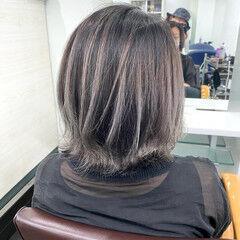 ストリート ボブ グラデーションカラー シルバーグレー ヘアスタイルや髪型の写真・画像
