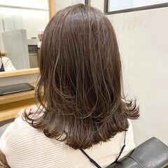 セミロング ミディアムレイヤー レイヤーヘアー 韓国風ヘアー ヘアスタイルや髪型の写真・画像