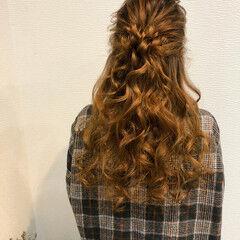 ヘアセット ロング ハーフアップ フェミニン ヘアスタイルや髪型の写真・画像