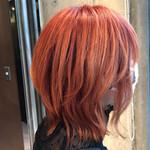 ウルフカット モード 派手髪 オレンジカラー