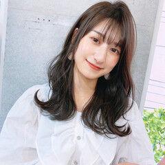 大人女子 韓国風ヘアー セミロング レイヤーカット ヘアスタイルや髪型の写真・画像