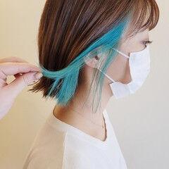 エメラルドグリーンカラー インナーカラー モード グリーン ヘアスタイルや髪型の写真・画像