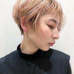 刈り上げ女子 ショートボブ ショート ベビーバング ヘアスタイルや髪型の写真・画像