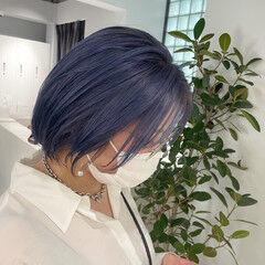 ダブルカラー ブルー ガーリー ショート ヘアスタイルや髪型の写真・画像