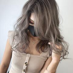 アッシュ グレーアッシュ シルバーアッシュ バレイヤージュ ヘアスタイルや髪型の写真・画像
