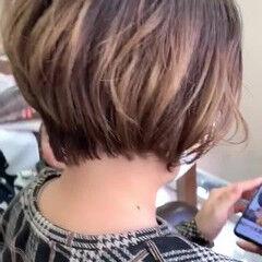フェミニン イメチェン ショート 秋冬ショート ヘアスタイルや髪型の写真・画像