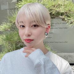 耳掛けショート ストリート ホワイトカラー コンパクトショート ヘアスタイルや髪型の写真・画像
