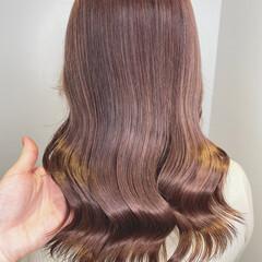 ナチュラル ブリーチカラー ミルクティーベージュ ブリーチオンカラー ヘアスタイルや髪型の写真・画像