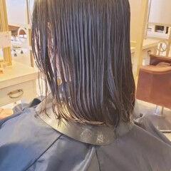 大人カジュアル デジタルパーマ ウェーブ ゆるふわパーマ ヘアスタイルや髪型の写真・画像