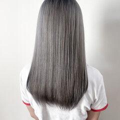 ナチュラル ロング うる艶カラー ホワイトグレージュ ヘアスタイルや髪型の写真・画像