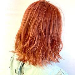 インナーカラーオレンジ セミロング オレンジ オレンジカラー ヘアスタイルや髪型の写真・画像