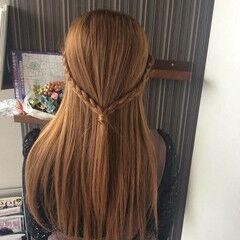 編み込みヘア 髪質改善トリートメント セミロング ナチュラル ヘアスタイルや髪型の写真・画像