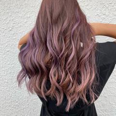 ピンク ハイトーン フェミニン ロング ヘアスタイルや髪型の写真・画像
