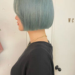 切りっぱなしボブ ガーリー ブルー ボブ ヘアスタイルや髪型の写真・画像