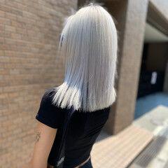 ホワイトブリーチ ホワイトアッシュ セミロング ホワイト ヘアスタイルや髪型の写真・画像