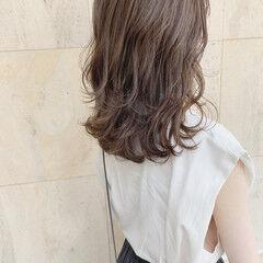 レイヤースタイル レイヤーカット 暗髪 セミロング ヘアスタイルや髪型の写真・画像