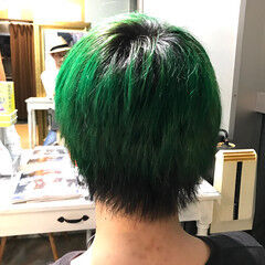 ショート メンズヘア グリーン ストリート ヘアスタイルや髪型の写真・画像