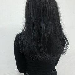 シルバーグレイ ロング トーンダウン シルバーグレー ヘアスタイルや髪型の写真・画像
