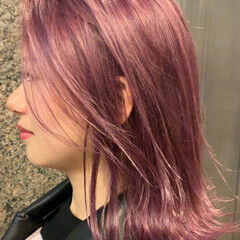 ピンクアッシュ 3Dカラー フェミニン 外ハネボブ ヘアスタイルや髪型の写真・画像