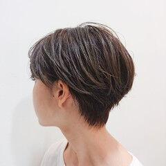インナーカラー ショート ハイトーンカラー ナチュラル ヘアスタイルや髪型の写真・画像