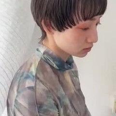 ショートボブ ショート ウルフカット ナチュラル ヘアスタイルや髪型の写真・画像