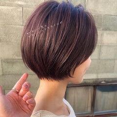 デートヘア ショート ピンクアッシュ フェミニン ヘアスタイルや髪型の写真・画像