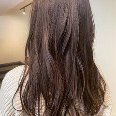 グレージュ 外国人風カラー ゆるウェーブ ナチュラル ヘアスタイルや髪型の写真・画像