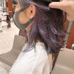 インナーカラー ラベンダーアッシュ ナチュラル ミディアム ヘアスタイルや髪型の写真・画像