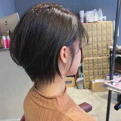 oggiotto ショート ブリーチなし ミルクティーグレージュ ヘアスタイルや髪型の写真・画像