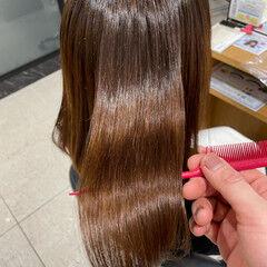 ナチュラル セミロング ブラウンベージュ ツヤ髪 ヘアスタイルや髪型の写真・画像