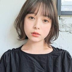 シンプル 切りっぱなしボブ コテアレンジ ミニボブ ヘアスタイルや髪型の写真・画像