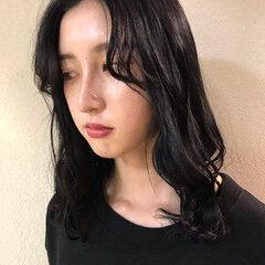 モード ミディアム ブルーブラック ヘアスタイルや髪型の写真・画像