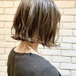 アッシュベージュ ボブ アンニュイほつれヘア 透明感カラー