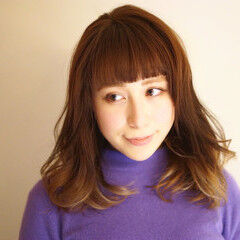 デート セミロング 冬 大人かわいい ヘアスタイルや髪型の写真・画像