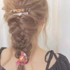 アップスタイル ヘアアレンジ 三つ編み ルーズ ヘアスタイルや髪型の写真・画像