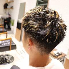 2ブロック フェードカット メンズカット ハイライト ヘアスタイルや髪型の写真・画像