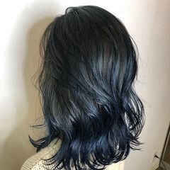 レイヤーカット デザインカラー グラデーションカラー ハイトーン ヘアスタイルや髪型の写真・画像