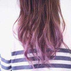 セミロング ピンク ナチュラルグラデーション グラデーション ヘアスタイルや髪型の写真・画像