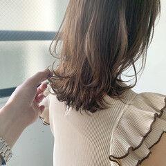 レイヤーカット ミディアム こなれ感 ウルフカット ヘアスタイルや髪型の写真・画像