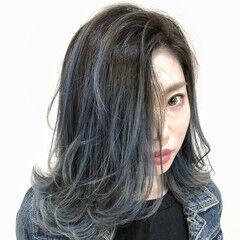 バレイヤージュ フェミニン ブリーチ ブルー ヘアスタイルや髪型の写真・画像