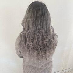 ホワイトブリーチ グラデーションカラー ホワイトグラデーション セミロング ヘアスタイルや髪型の写真・画像