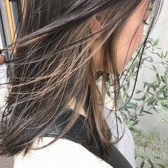 インナーカラーグレージュ アッシュグレー ナチュラル アッシュグレージュ ヘアスタイルや髪型の写真・画像