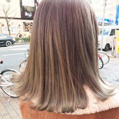 ボブ ダブルカラー ミルクティー ハニーベージュ ヘアスタイルや髪型の写真・画像