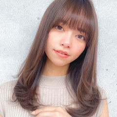 小顔 ロング コンサバ レイヤーロングヘア ヘアスタイルや髪型の写真・画像